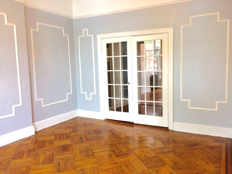 One Bedroom + Den in Carroll Gardens