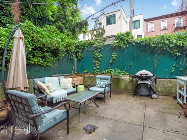 Astonishing 1 Bedroom With Backyard In Carroll Gardens Dandrea Craig Complete Home Design Collection Papxelindsey Bellcom