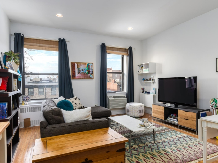 Large 1 Bedroom in Cobble Hill